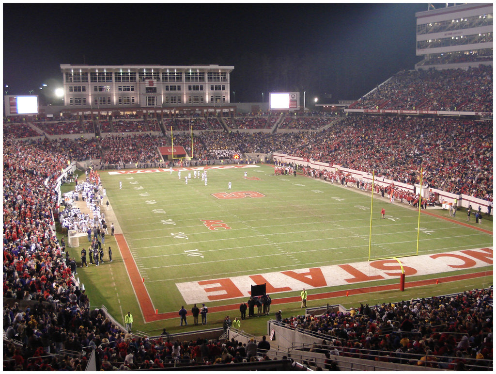 Carter_Finley_Stadium_by_greenjinjo